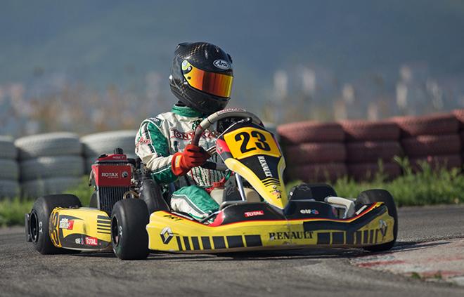 Gün Taşdelen her 3 yarışta da damalı bayrağın altından ilk sırada geçmeyi başararak sezona hızlı bir başlangıç yaptı